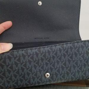 Michael Kors Bags - Mk Fulton Carryall Wallet (Blue)